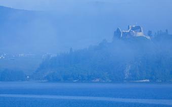 Zamek w Czorsztynie nad Jeziorem Czorsztyńskim